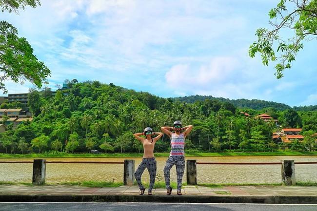 """Cặp đôi tung hoành khắp châu Á với bộ ảnh chụp """"trăm nơi như một"""" - ảnh 3"""