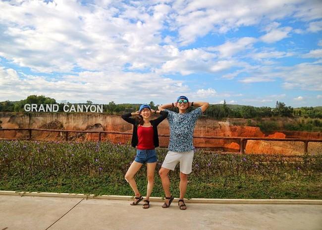 """Cặp đôi tung hoành khắp châu Á với bộ ảnh chụp """"trăm nơi như một"""" - ảnh 9"""