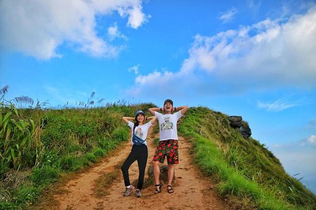 """Cặp đôi tung hoành khắp châu Á với bộ ảnh chụp """"trăm nơi như một"""" - ảnh 7"""