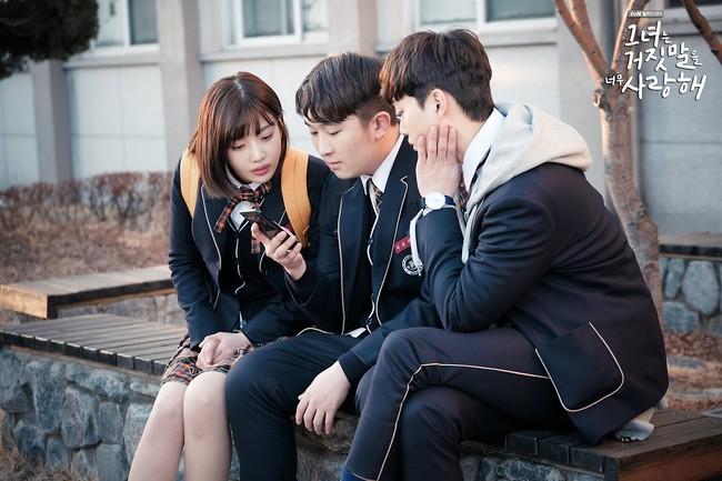 """""""Liar And Lover"""": Vừa gặp Lee Hyun Woo đôi lần, Joy lộ bản chất mê trai đắm đuối! - Ảnh 1."""