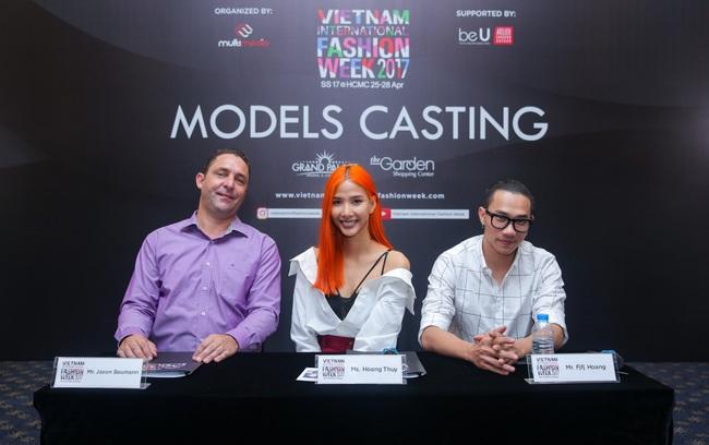 Hoàng Thùy nổi bật với tóc màu cam làm giám khảo casting Vietnam International Fashion Week Xuân/Hè 2017 - Ảnh 3.