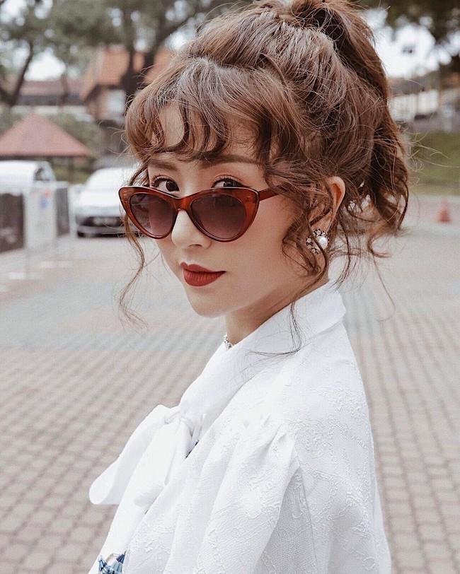 Kiểu tóc xoăn tít hot trend của Quỳnh Anh Shyn: Tạo kiểu chuẩn đã khó, giữ nó đẹp mãi còn khó hơn - Ảnh 1.