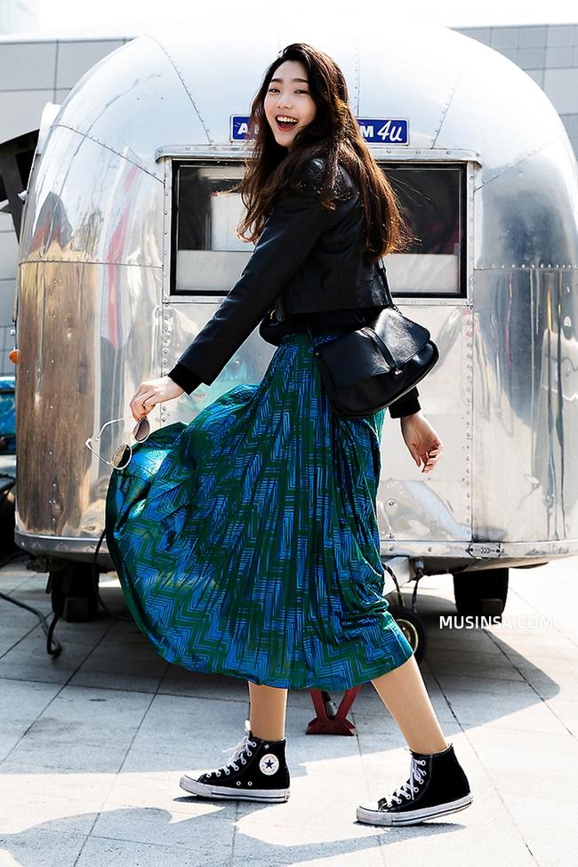 Cùng ngắm street style của giới trẻ thế giới để tạo cảm hứng phối thời trang hình 1
