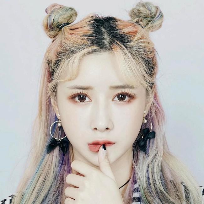 Diện chán tóc búi nửa, con gái châu Á chuyển sang mê mệt tóc búi 2 sừng siêu ngộ nghĩnh - ảnh 2