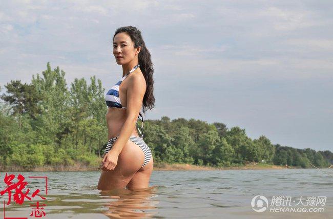 Ai mà tin được người phụ nữ sở hữu thân hình khỏe khoắn với những đường cong quyến rũ này đã ngoài 50 tuổi - Ảnh 2.