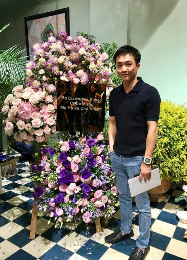 Trong khi Cường Đô La bảnh bao dự sự kiện của Hà Hồ thì Hạ Vi bị soi dùng bữa cùng Rocker Nguyễn - Ảnh 1.