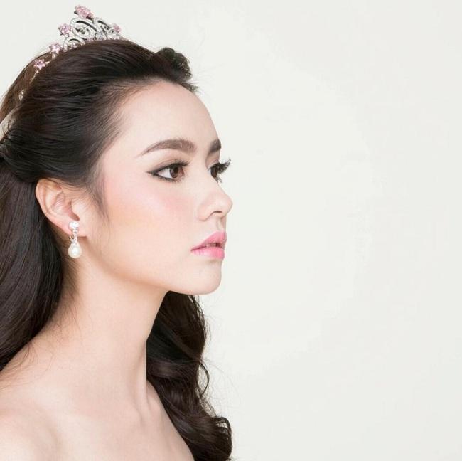 Chỉ cần xoay nghiêng mặt, Miss Teen Thái Lan đã khiến con trai đổ rạp! - Ảnh 2.