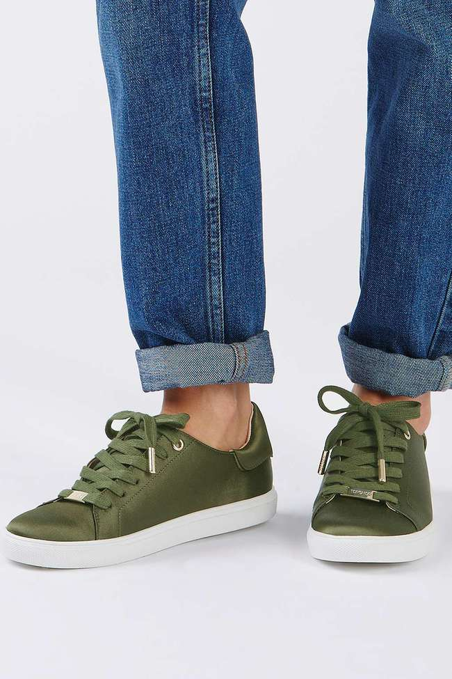 Zara ra mắt sneaker chất liệu satin, liệu đây có phải kiểu sneaker sẽ gây bão trong năm 2017? - Ảnh 10.