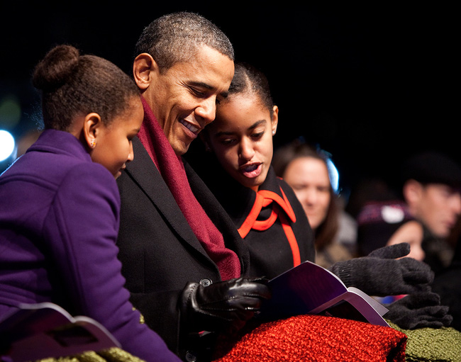 Những khoảnh khắc đáng nhớ bên vợ con của Tổng thống Obama trong 8 năm đương nhiệm - ảnh 10