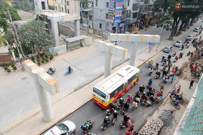 Cận cảnh đoàn tàu đường sắt Cát Linh - Hà Đông đang đóng gói, chuẩn bị vận chuyển về nước - Ảnh 10.