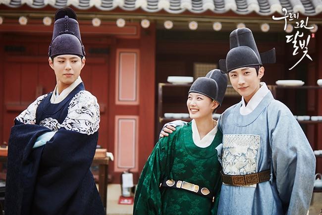 Trừ 9 cái tên này, idol Hàn đóng phim dở thật đấy! - Ảnh 10.