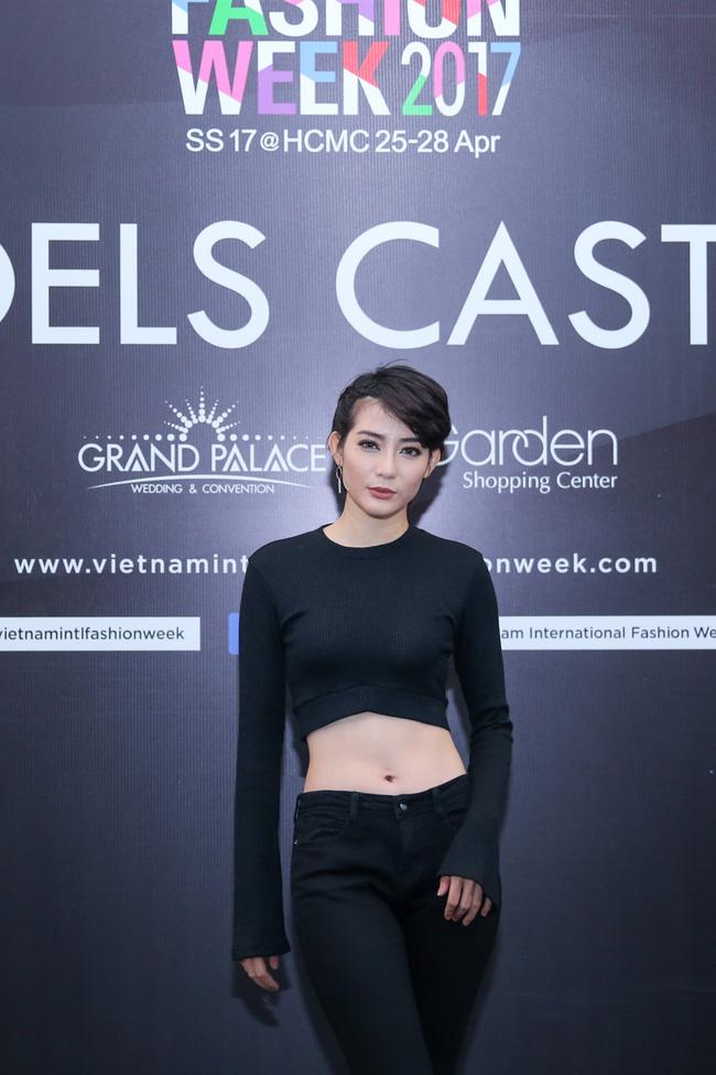 Hoàng Thùy nổi bật với tóc màu cam làm giám khảo casting Vietnam International Fashion Week Xuân/Hè 2017 - Ảnh 12.