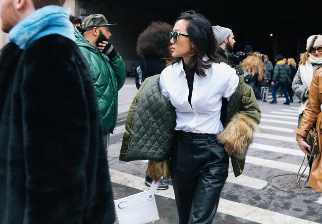 Chiêm ngưỡng đặc sản street style không đâu đẹp bằng của Tuần lễ thời trang New York - Ảnh 14.