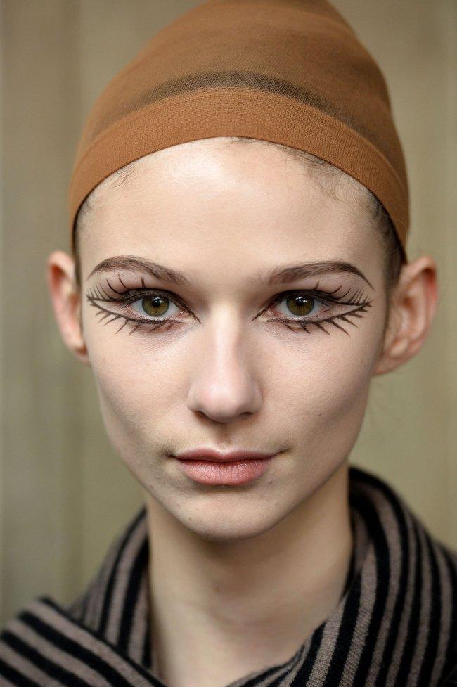 Những kiểu makeup dọa ma khiến người xem phải giật mình tại Tuần lễ thời trang Thu/Đông 2017 - Ảnh 10.