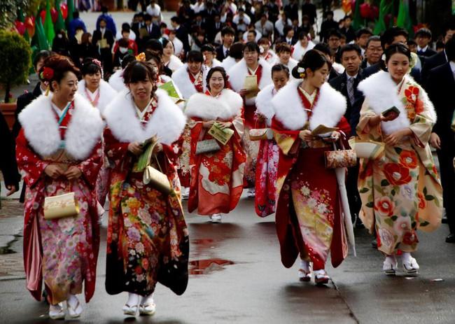 Các cô gái Nhật Bản xinh đẹp trong lễ trưởng thành - Ảnh 19.