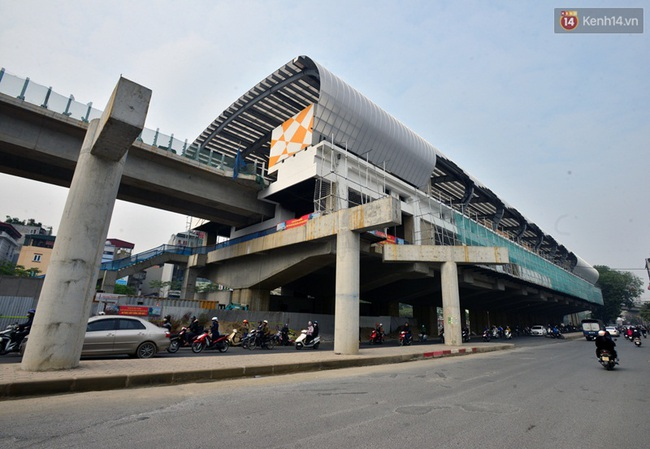 Cận cảnh đoàn tàu đường sắt Cát Linh - Hà Đông đang đóng gói, chuẩn bị vận chuyển về nước - Ảnh 11.