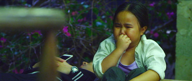 Miu Lê và Thu Trang bị truy đuổi trong teaser Nắng 2 - Ảnh 6.