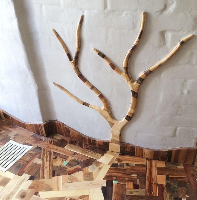 Thu thập các mảnh gỗ vụn bỏ đi, người đàn ông biến sàn nhà thành một tác phẩm nghệ thuật đẹp ngỡ ngàng - Ảnh 20.