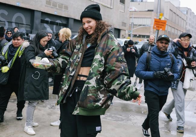 Chiêm ngưỡng đặc sản street style không đâu đẹp bằng của Tuần lễ thời trang New York - Ảnh 17.