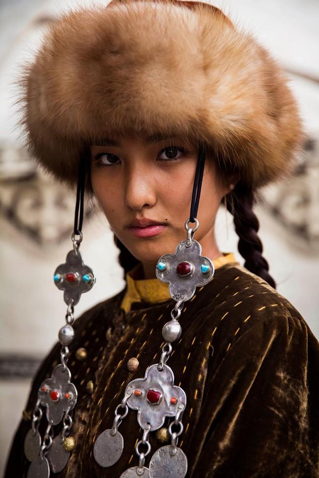 Ngắm nhìn thêm những hình ảnh về vẻ đẹp của phụ nữ trên toàn thế giới - Ảnh 23.
