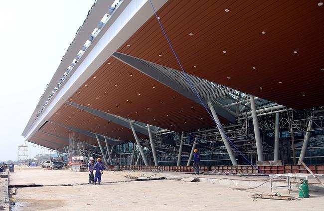 Cận cảnh nhà ga hành khách quốc tế hơn 3.500 tỷ đồng sắp hoàn thành ở Đà Nẵng - Ảnh 13.