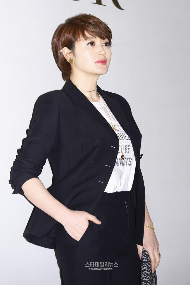 Yoona và Sulli cùng diện đồ hiệu đẳng cấp, đọ sắc vóc một chín một mười tại sự kiện của Dior - Ảnh 14.