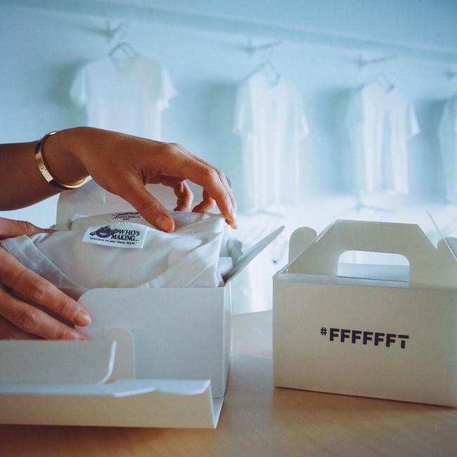 Cửa hàng chỉ bán áo phông trắng, còn chảnh tới mức chỉ mở cửa duy nhất thứ 7 nhưng luôn nườm nượp khách đến mua - Ảnh 10.