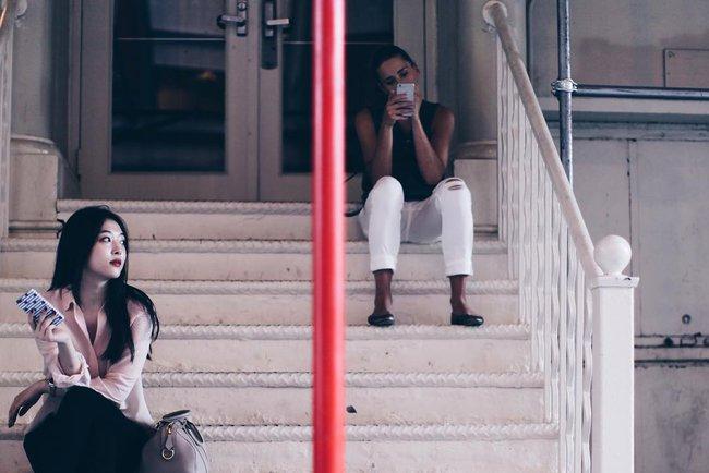 Chỉ selfie và thỉnh thoảng đi sự kiện, Sulli vẫn tung tăng du lịch, xài sang mà không lo tiền nong - Ảnh 6.