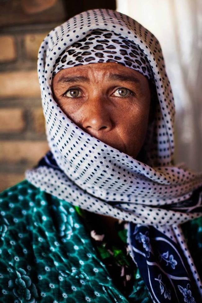 Ngắm nhìn thêm những hình ảnh về vẻ đẹp của phụ nữ trên toàn thế giới - Ảnh 29.
