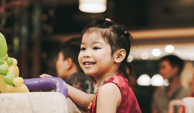 Cô bé 5 tuổi nói tiếng Anh như gió, phát âm cực chuẩn trong Biệt tài tí hon là ai? - Ảnh 7.