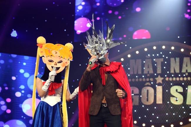 Chỉ có Thái Lan mới sáng tạo ra những ca sĩ mặt nạ kỳ quái như thế này! - Ảnh 2.
