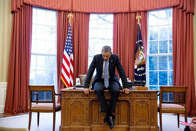 Nhìn bức ảnh này, người ta lại bồi hồi xúc động đếm ngược ngày ông Barack Obama rời Nhà Trắng - Ảnh 1.