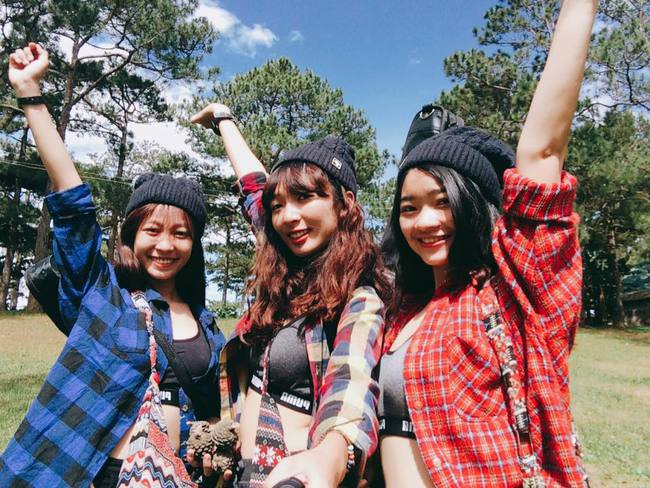 """Cần gì người yêu, cứ đi du lịch với """"hội chị em"""" như 3 cô bạn này là đủ vui lắm rồi! - Ảnh 2."""