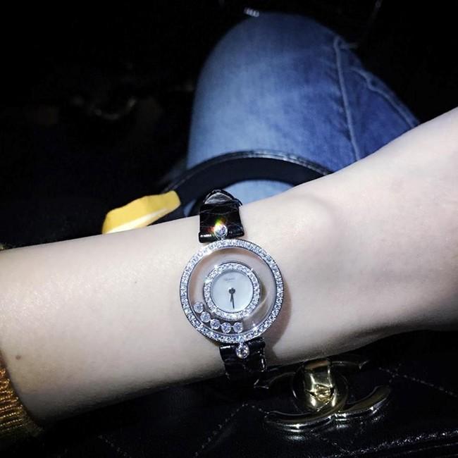 Công Vinh tặng Thủy Tiên đồng hồ trị giá gần 7 tỷ đồng - Ảnh 2.