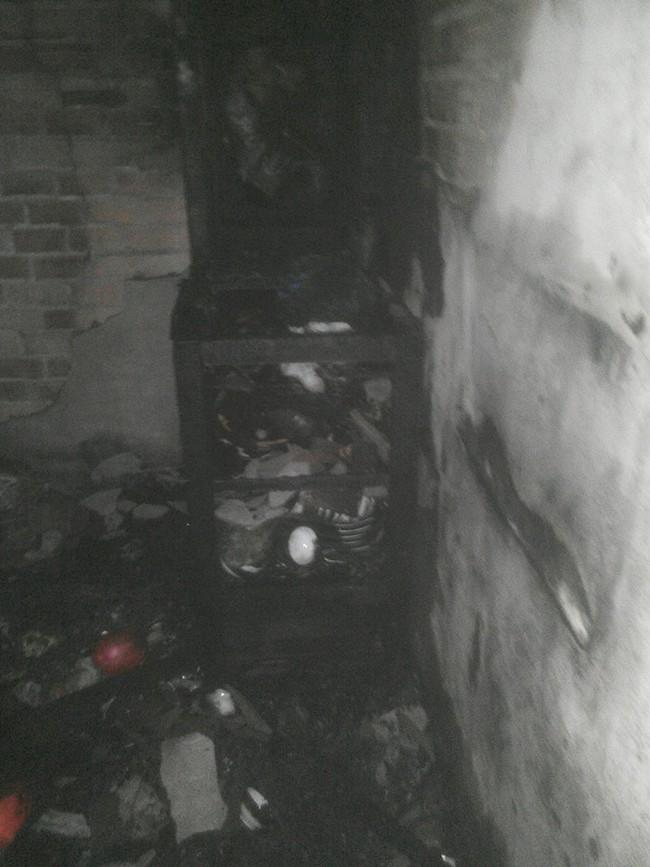 Nha Trang: Xe đạp điện chập nổ, cháy toàn bộ căn nhà - Ảnh 1.