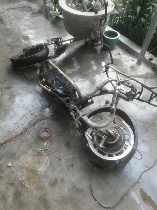 Nha Trang: Xe đạp điện chập nổ, cháy toàn bộ căn nhà - Ảnh 2.