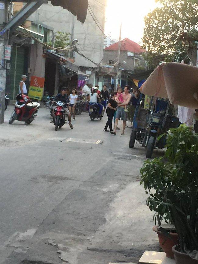 Sài Gòn: Bắt cóc trẻ em, bố mẹ kịp thời đuổi theo đưa con về - Ảnh 1.