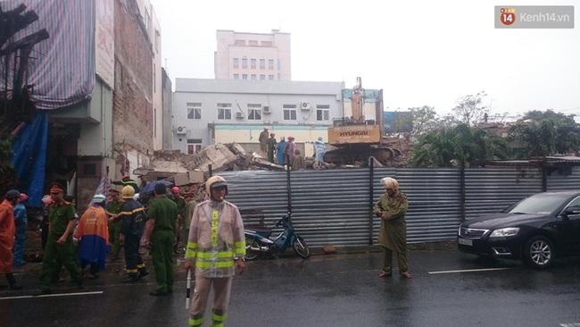 Sập tòa nhà trụ sở cũ của báo Đà Nẵng khi tháo dỡ, 2 người tử vong - Ảnh 2.