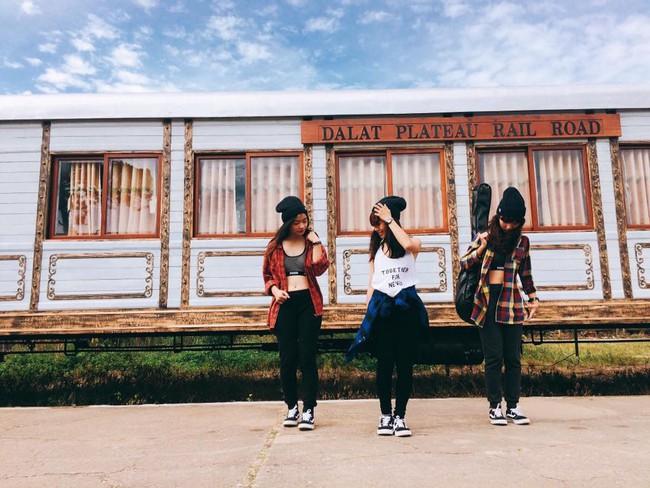 """Cần gì người yêu, cứ đi du lịch với """"hội chị em"""" như 3 cô bạn này là đủ vui lắm rồi! - Ảnh 14."""