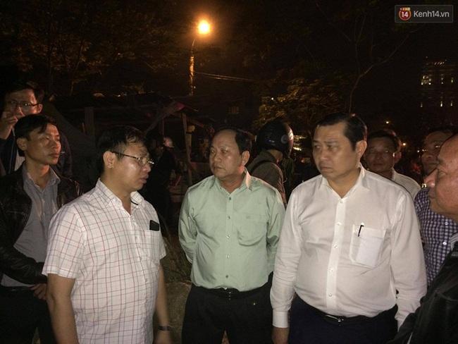 Đà Nẵng: Sập giàn giáo ở tòa nhà Luxury Apartment, ít nhất 4 người bị thương - Ảnh 4.