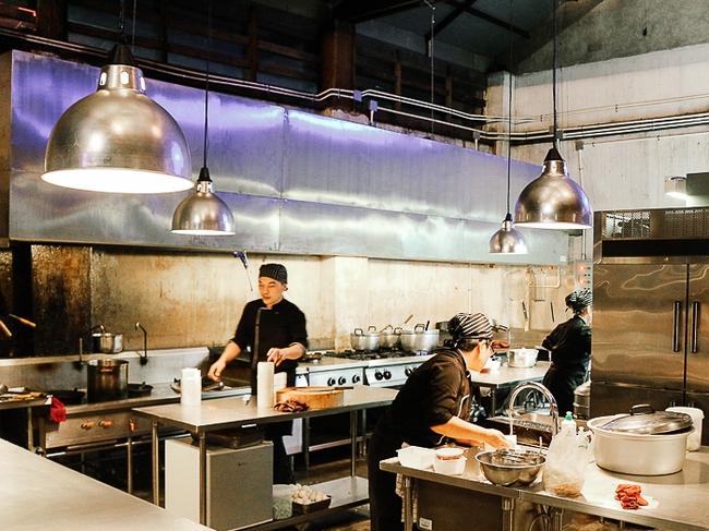 3 tổ hợp cafe - mua sắm cực xinh ở Bangkok mà bạn không thể bỏ lỡ trong chuyến đi tới! - Ảnh 35.