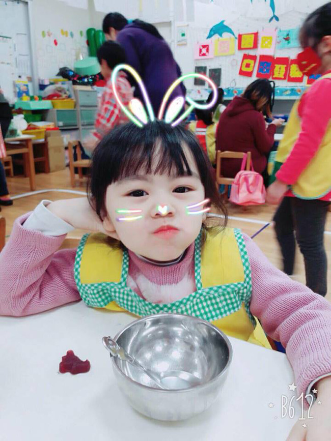 Bị mẹ ngăn cản, cô bé 5 tuổi vẫn kiên quyết cắt tóc răng cưa để giống thần tượng Maruko - ảnh 12