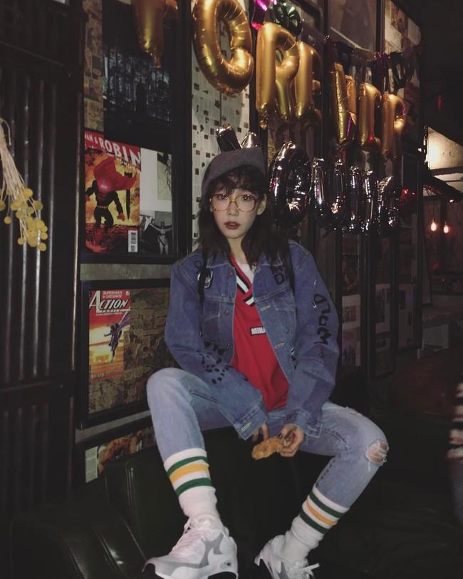 Vắng Yoona, SNSD tổ chức sinh nhật hoành tráng theo phong cách năm 80 cho Sooyoung - Ảnh 4.