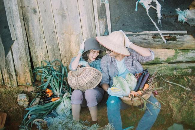 Chỉ cần yêu nhau thật nhiều thì ảnh cưới chụp ở... vườn rau cũng khiến người ta xuýt xoa - Ảnh 15.