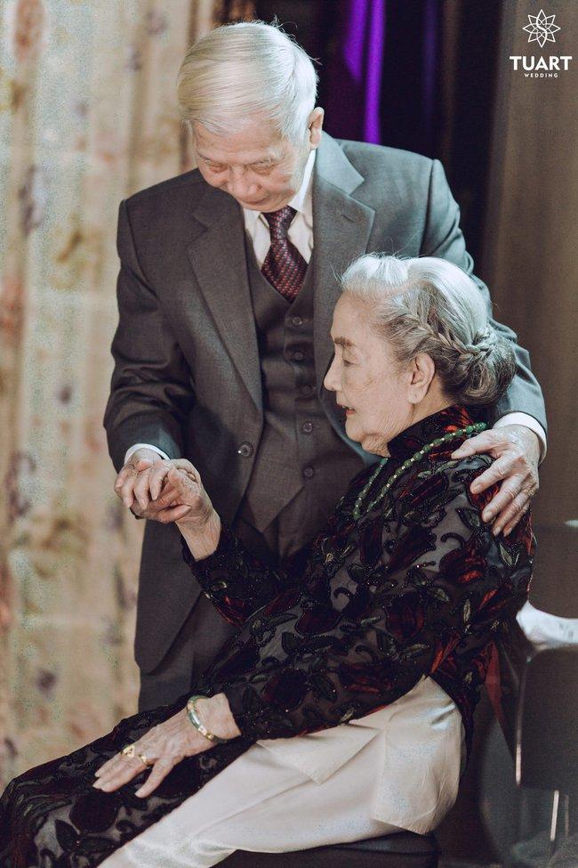Mùa Valentine, ngắm bộ ảnh ngọt ngào của cụ ông, cụ bà đã 90 tuổi để thấy tình yêu thật tuyệt vời! - Ảnh 10.