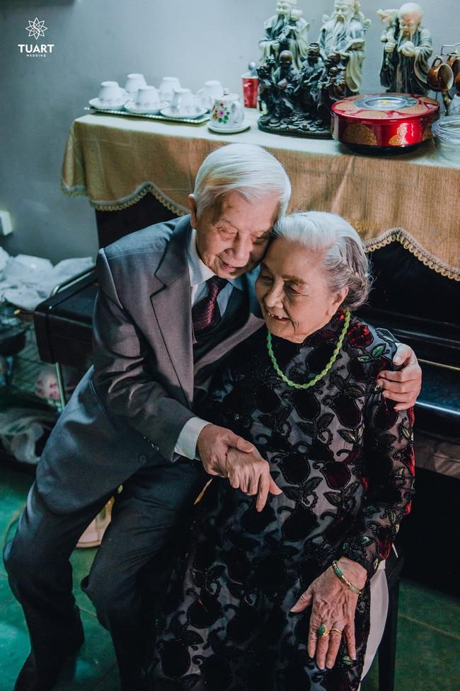 Mùa Valentine, ngắm bộ ảnh ngọt ngào của cụ ông, cụ bà đã 90 tuổi để thấy tình yêu thật tuyệt vời! - Ảnh 12.