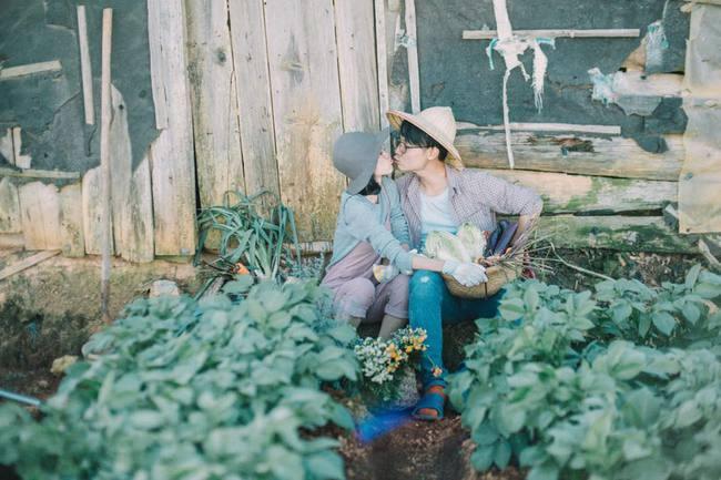 Chỉ cần yêu nhau thật nhiều thì ảnh cưới chụp ở... vườn rau cũng khiến người ta xuýt xoa - Ảnh 13.