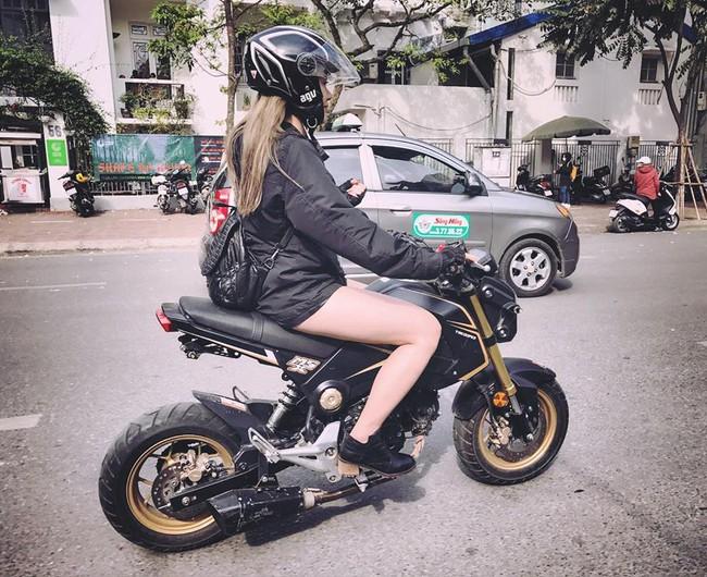 Nhan sắc cô gái cưỡi Ducati gây chú ý trong đoàn diễu motor tưởng nhớ Trần Lập - Ảnh 3.