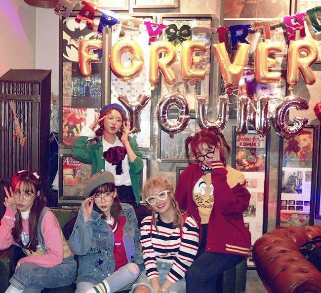 Vắng Yoona, SNSD tổ chức sinh nhật hoành tráng theo phong cách năm 80 cho Sooyoung - Ảnh 13.