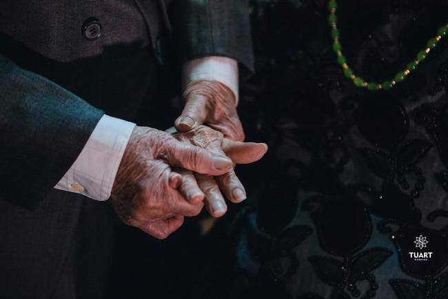 Mùa Valentine, ngắm bộ ảnh ngọt ngào của cụ ông, cụ bà đã 90 tuổi để thấy tình yêu thật tuyệt vời! - Ảnh 18.